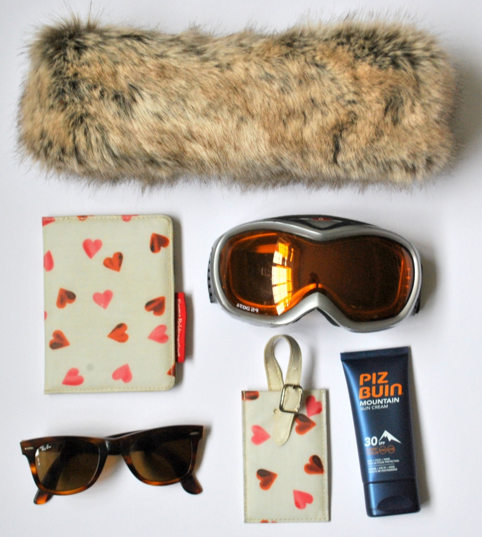 passport Emma Bridgewater sunscreen protect sunglasses fur accessories ray-ban